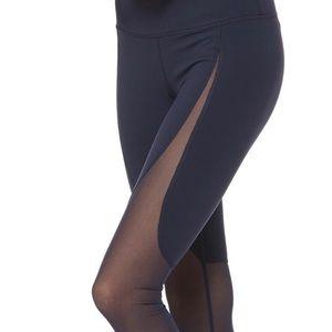 Alo Yoga Motion Legging - Size S (EUC)
